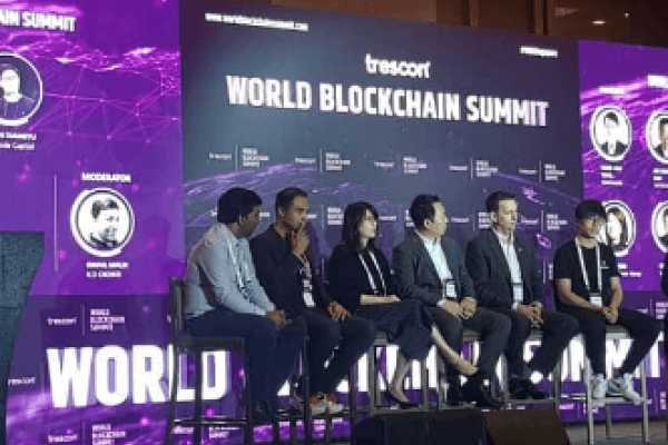 led_screen-world_blockchain_summit